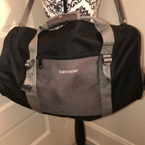 Samsonite duffle bag very good condition